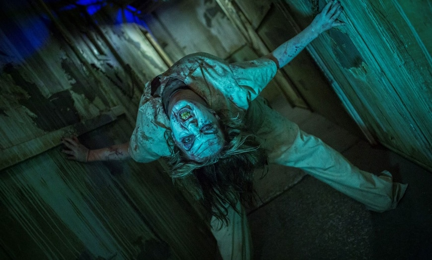 This image has an empty alt attribute; its file name is Haunted-House-10.jpg