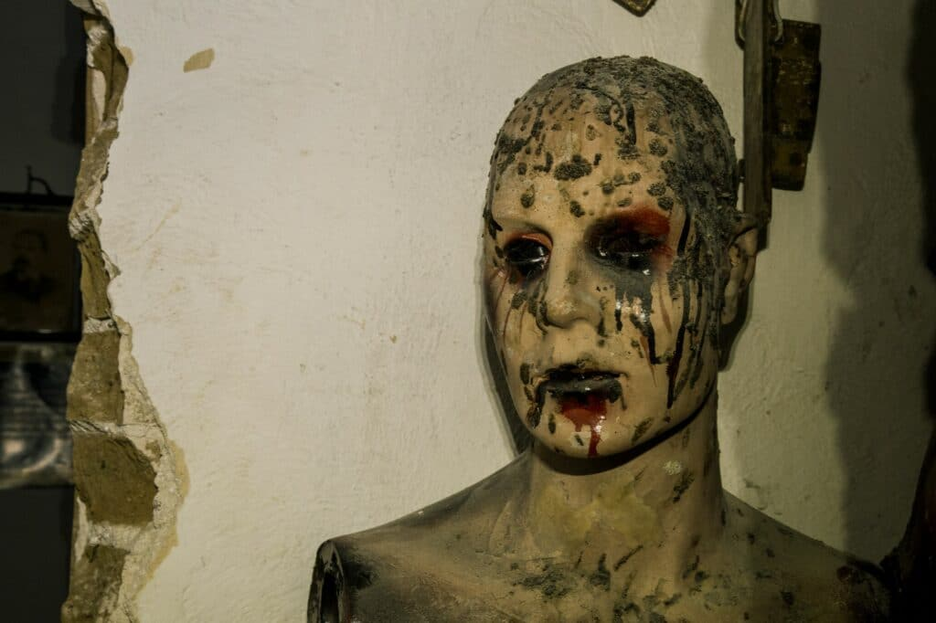 This image has an empty alt attribute; its file name is Haunted-House-6-1024x682.jpg