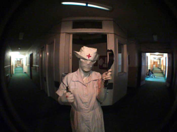 This image has an empty alt attribute; its file name is Haunted-House-16.jpg