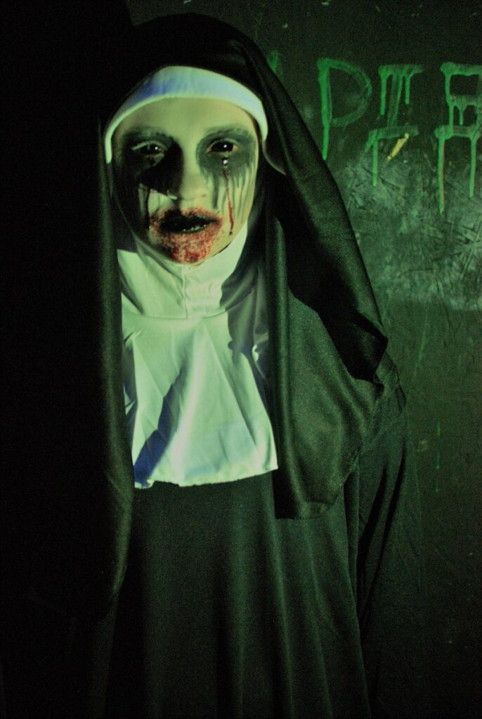 This image has an empty alt attribute; its file name is Haunted-House-17-686x1024.jpg